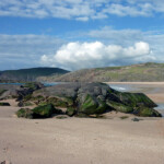 Sandwood Bay: rocks