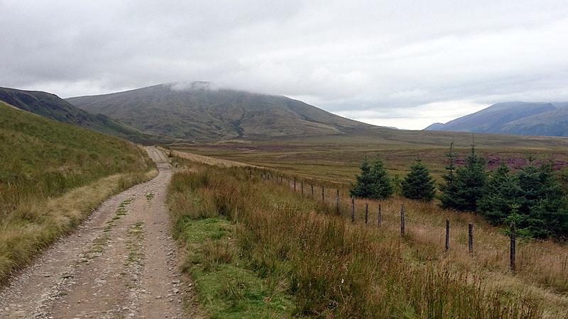 Approaching Clough Head