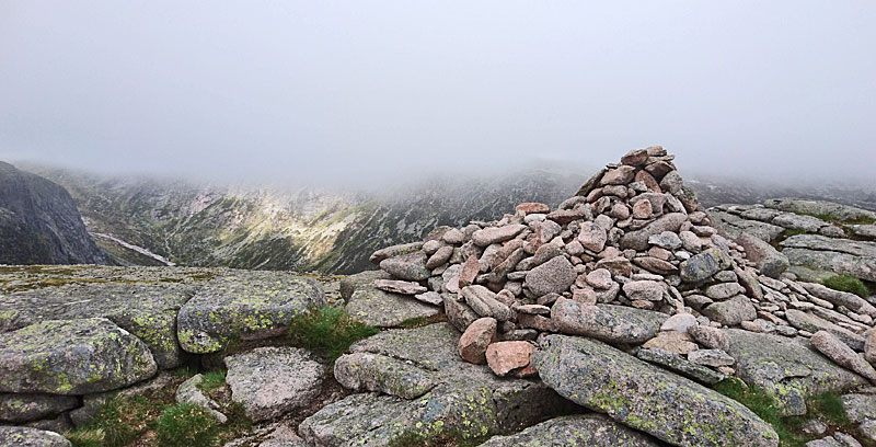 Broad Cairn
